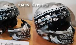 harley davidson two piece helmet with a airbrushed skull wearing a bandanna