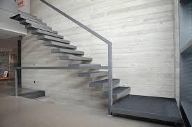 Betonfertigteilbauer wissen, wie man mit dem vielseitigen material arbeitet. Kragarmtreppe Inszenierter Aufstieg Detail Magazin Fur Architektur Baudetail