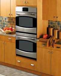 convection ovens should also have variable fan sds a high sd is good for roasts and a low sd is good for cookies and for dehydrating foods
