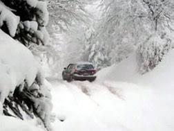 雪で車内に閉じ込められたら換気を 人と車の安全な移動をデザインする