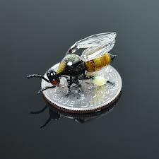 Glass Insects Small Enough to Balance on the Tip of Your Finger by Wesley  Fleming | Colossal