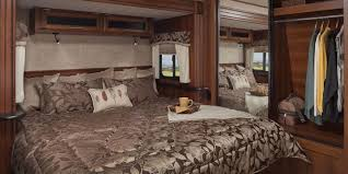 Awesome U003cstrongu003eSleep In Styleu003c/strongu003eThe Eagle Travel Trailer Features A