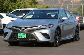 New 2018 Toyota Camry SE 4dr Car in Roseburg #T18030 | Clint ...
