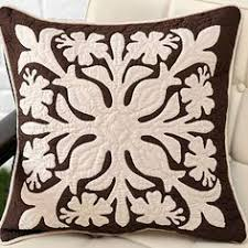 Hawaiian Quilt patterns on these throw pillows give and instant ... & Hawaiian Quilt patterns on these throw pillows give and instant touch of  the islands anywhere..... | Hawaiian Style Homes | Pinterest | Pineapple  pattern, ... Adamdwight.com