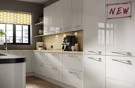 Gloss Kitchen Floor Tiles This Cool Grey Gloss Kitchen Is The Height Of Fashion And Style