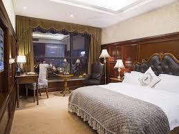 yueting deluxe queen room with garden view