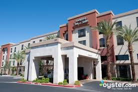 Las Vegas Hotels Suites 3 Bedroom Las Vegas Hotels Suites 3 Bedroom Cream Bedroom Furniture With Oak