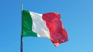 Oriana Fallaci - Storia di un'Italiana - Io ho una bandiera bianca rossa e  verde dell'Ottocento. Tutta piena di macchie, macchie di sangue, tutta rosa  dai topi. E sebbene al centro vi