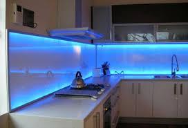 kitchen glass backsplash. Shiny And Sleek Glass Kitchen Backsplash G