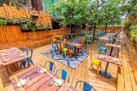 When we say outdoor seating, we don't just mean some folding chairs and two wobbly tables. 26 Awesome Outdoor Restaurants In Philly To Eat And Drink At This Spring