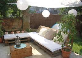 Tavoli Da Giardino In Pallet : Mobili da giardino con pallet salotto esterno moderno divanetti
