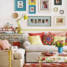 eclectic living room. le style « artsy » pique la curiosité ! gallery wallcolourful living roomcozy eclectic room