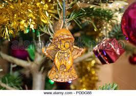 Schönen Weihnachtsschmuck Hängen An Türen Außerhalb Des