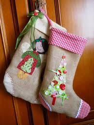 Calze befana in tela di sacco e decorazioni natalizie feste