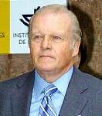 ... defensa del ex director financiero adjunto del BBV Luis Javier Bastida y ... - 250_0_eemilioybarra021105