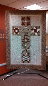 smart ideas hang blanket on wall for insulation a the appealing rack to quilts farmhouse style decorating