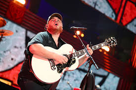Luke Combs Seating Chart Luke Combs Announces 2020 What You See Is What You Get Tour