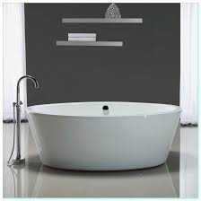 how many gallons of water does a standard bathtub hold palugada