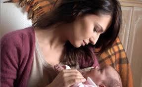 Anna Safroncik in Le tre rose di Eva 2. Dopo il grande successo della prima stagione, arrivano da mercoledì 4 settembre, in prima serata su Canale5, ... - Le-Tre-Rose-di-Eva-2-4