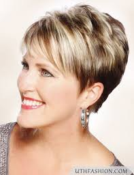 short hairstyles for over 50 uk