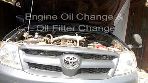How to change the Engine Oil on Toyota Hilux MK6 - YouTube
