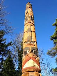 Chart House Portland Oregon Commemorative Totem Pole Created For Portlands Centennial