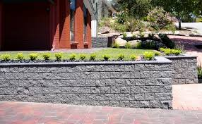Small Picture How to build a retaining wall from concrete blocks