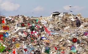 Image result for Gropile de gunoi din București poze