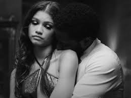 When filmmaker malcolm (john david washington) and his girlfriend marie (zendaya), return home from a movie premiere and await his film's critical response. Malcolm Marie Trailer Shows Us That Love Is Painful
