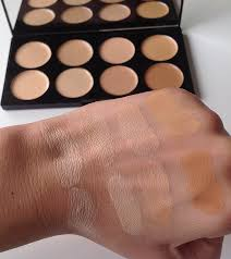 makeup revolution ultra er and concealer palette light um