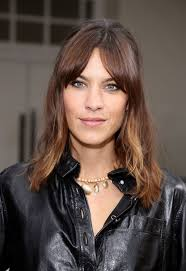 Hairstyle Bang curtain bangs are trending heres how to wear them allure 5833 by stevesalt.us