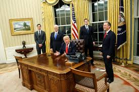 oval office furniture. Trump Had Also Replaced Obama\u0027s Giant \ Oval Office Furniture R