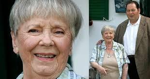 Ruth Drexel mit 78 Jahren gestorben - Ruth_Drexel_mit_78_Jahren_gestorben-Aus_fuer_den_Bullen-Story-135745_476x250px_3_LGosoD1txZAD6