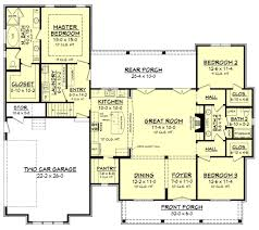 Farmhouse Style House Plan - 3 Beds 2.00 Baths 2077 Sq/Ft Plan #430
