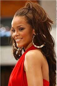 Pin by Reba Clarke on Exploring Beauty | Rihanna hairstyles, Glam hair, Mom  hairstyles