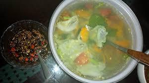 Membuat sambal kecap untuk sop. Menu Puasa Hari Ke 11 Catatan Harian Seorang Ibu Dan Istri