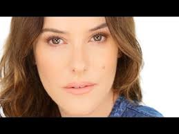 lisa eldridge shows you how to achieve a sun kissed golden glow makeup using