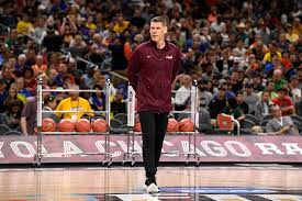 Porter Moser agrees to a new contract with Loyola | WGN-TV