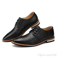 famous brand new men flats shoes casual leather shoes men black oxford shoes for men boots man wing tip brogue shoes formal wedding shoes for men