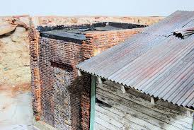 i used that for the corrugated roofing for my 1 24 building and the fiskars paper crimper to make the corrugations have since thought that if i could