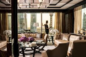 Four Seasons Club Partners Cathay Pacific