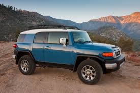 Toyota FJ Cruiser receives some improvements for the 2013MY