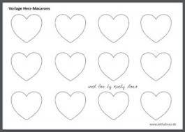 Malvorlagen herz vorlagen pin auf herbstdeko mit kindern basteln. Valentinstag Herz Macarons Kathy Loves