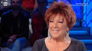 Testo e accordi della canzone quando ti sei innamorato di orietta berti. Orietta Berti A Sanremo 2021 Con Quando Ti Sei Innamorato Tvblog