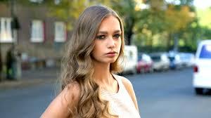 Vlasy Jako Jennifer Lopez Naučte Se 2 účesy Které Napodobuje Celý