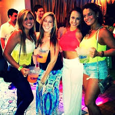the university of alabama student one from left was with friends when she got