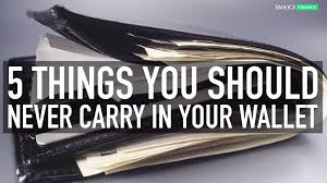 These 5 Carry Your Things Don't Wallet In