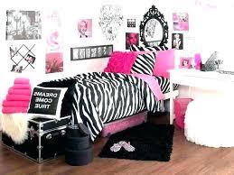 Zebra print bedroom furniture Ottomans Zebra And Pink Bedroom Zebra Pink And Black Zebra Print Bedroom Accessories Briccolame Zebra And Pink Bedroom Pink Bedroom Furniture Black And Decor Silver