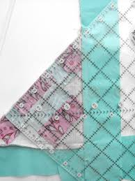Mitered Corners on Quilt Borders: Sewing Tutorial & Sewing Quilt Borders Pieces Together Adamdwight.com