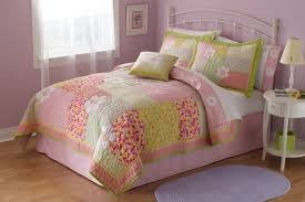 simple little girls bedroom with fl pink green quilt set kids little girls cotton twin bedspread